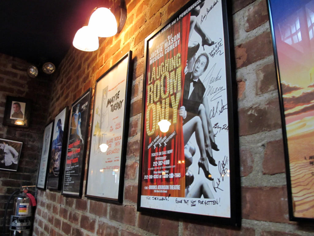 La parete dei fiaschi teatrali