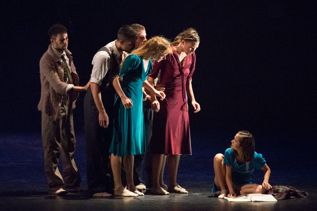 Review balletto anne frank parole dall ombra for Anne frank musical