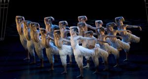 REVIEW – SWAN LAKE DI MATTHEW BOURNE (2014)