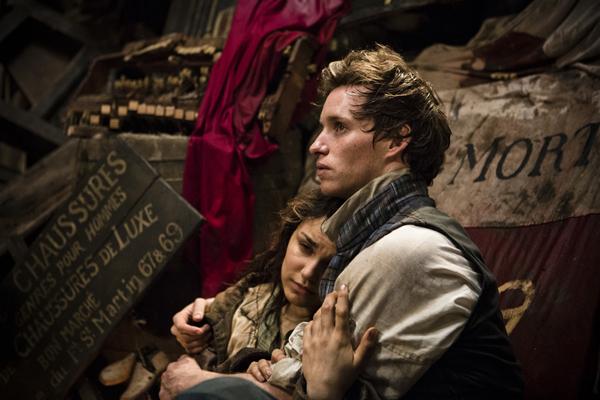 Foto 11 êponine in fin di vita tra le braccia di Marius