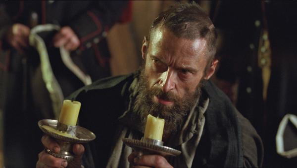 Foto 8 Valjean con i candelieri donati dal Vescovo